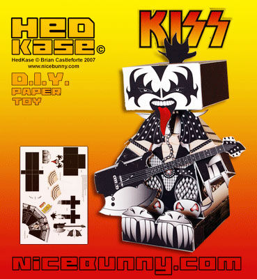 toy-art-kiss