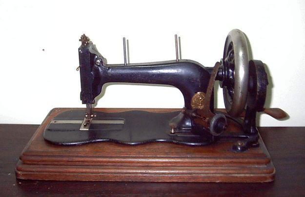 maquina-de-costura-antiga