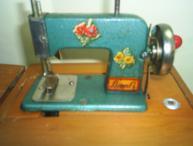 maquina-de-costura-de-brinquedo3
